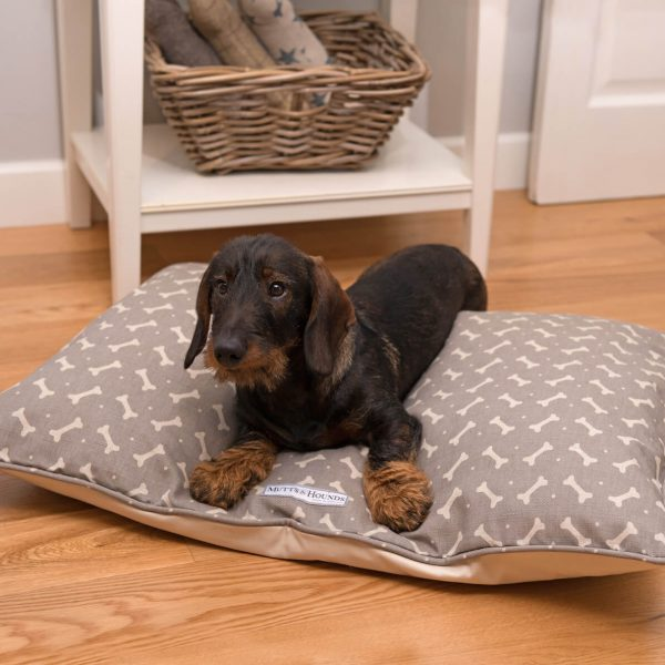Muttsandhounds_pillow_bones_grau_2_original-2