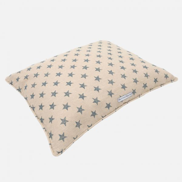 Mutts&Hounds_Pillow_Bett_Sand_Sterne